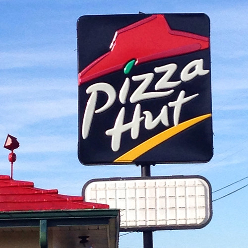 Hundreds of Pizza Hut locations expected to close in US