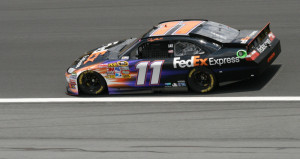Hamlin wins at Phoenix/championship finale set